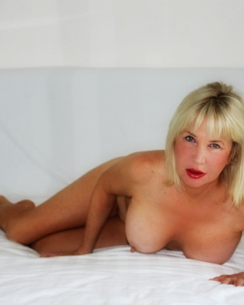 escort com cougar women