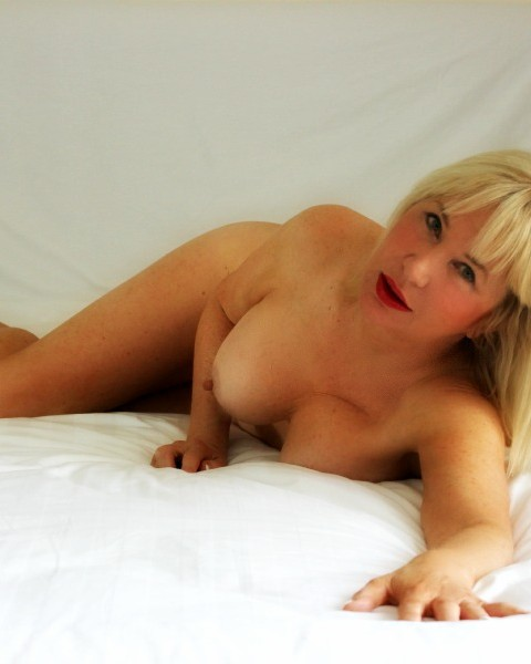 Escortscall mature private escorts Brisbane