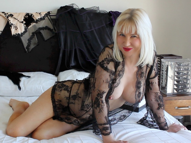 Mature Escorts In Newcastle Upon Tyne Stoya Escort Back Eye News